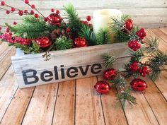 Are you searching for images for farmhouse christmas decor? Check this out for cool farmhouse christmas decor images. This cool farmhouse christmas decor ideas appears to be brilliant. Primitive Christmas, Farmhouse Christmas Decor, Noel Christmas, Outdoor Christmas, Country Christmas, Christmas Projects, Christmas Balls, Vintage Christmas, Christmas Wreaths