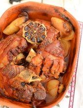 Garnek rzymski - sprawdzone przepisy - MniamMniam.pl Beef Stroganof, Dutch Oven, Pot Roast, Slow Cooker, Grilling, Pork, Food And Drink, Meals, Cooking