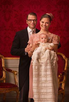 Kronprinsessparet och Prinsessan Estelle.