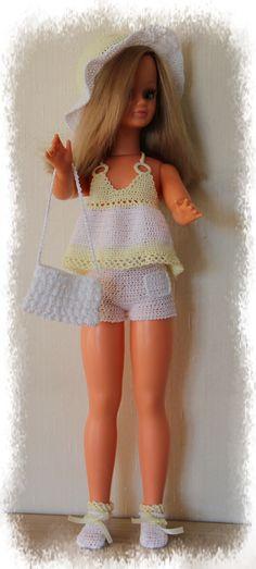 poupée Betsie de Bella - tenue estivale Minouche, Minis, Barbie, Summer Dresses, Dolls, Fashion, Plush, Dots, Beautiful Dolls