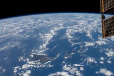 /by NASA #flickr #ISS #Hawaii #horizon