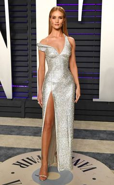 Rosie Huntington-Whiteley from 2019 Vanity Fair Oscars After-Party Supermodel in the house!