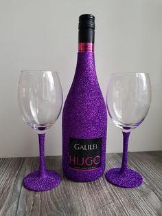 Hugo wine glitter bottle glasses purple wijn fles glazen paars