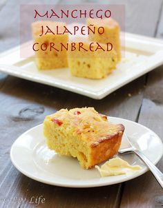 Jalapeño Manchego Corn Bread Jalapeño Manchego Corn Bread… a slighty spicy, cheesy twist on the traditional corn bread. Catering, No Carb Bread, Graham, Best Homemade Bread Recipe, Food Porn, Muffins, Spanish Dishes, Savoury Baking, Corn Bread