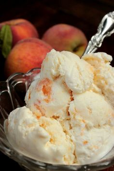 LOVE no churn ice cream! This is exactly what I'm going with all of those peaches from the farmer's market!I LOVE no churn ice cream! This is exactly what I'm going with all of those peaches from the farmer's market! Ice Cream Treats, Ice Cream Desserts, Frozen Desserts, Frozen Treats, Peach Ice Cream Recipe, Homemade Ice Cream, Ice Cream Recipes, No Churn Ice Cream, Love Ice Cream
