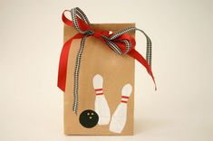 Treat bags for bowling party - how to.