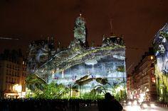 Fêtes des lumières à Lyon, France - Le Prince des lumières sur l'Hôtel de Ville