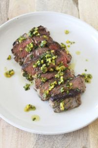 Pan Seared NY Steak with Yellow Bell Pepper Chimichurri Fun Easy Recipes, Easy Meals, Ny Steak, Good Food, Yummy Food, Private Chef, Chimichurri, Grilling, Bell Pepper