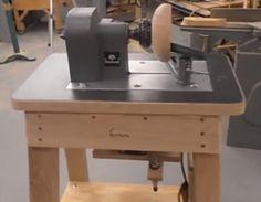 Home Made Wood lathe Wood Turning Lathe, Turning Tools, Wood Turning Projects, Diy Projects, Homemade Lathe, Homemade Tools, Wood Jig, Wood Lathe, Bowl Turning