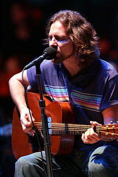 Eddie Vedder of Pearl Jam   #music #musician #eddievedder #pearljam   #inspirations http://www.pinterest.com/TheHitman14/musical-inspirations/
