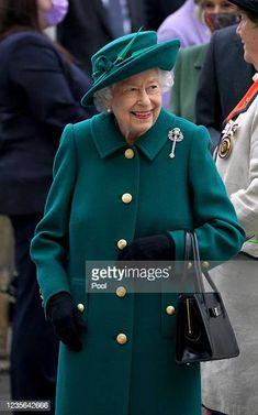 Prince Charles And Camilla, Prince Philip, Duchess Of Cornwall, Duchess Of Cambridge, Scottish Parliament, Tartan Kilt, Green Coat, Thats The Way, Queen Elizabeth Ii