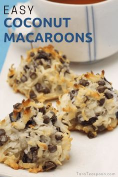 Five Approaches To Economize Transforming Your Kitchen Area Coconut And Chocolate Macaroons-Oh, The Happy Flavor Combos You Can Make With These Magnificent Coconut Macaroons Punch Up This Classic By Adding Dried Fruits, Nuts And Even Chocolate # Kokos Desserts, Coconut Desserts, Köstliche Desserts, Dessert Recipes, Easy Coconut Macaroons, Plated Desserts, Coconut Recipes Healthy, Gluten Free Coconut Macaroons, No Bake Coconut Cookies