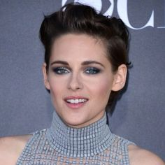 Looking for a formal hairstyle for short hair? Here's how to style short hair like Kristen Stewart for your next party, prom or wedding.