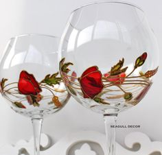 Set of 2 personalised wine glasses. Handpainted glasses Gift for Valentine's Day Gift for any occasion For wine lovers