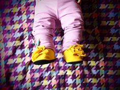 look at those sweet little shoes-ies!