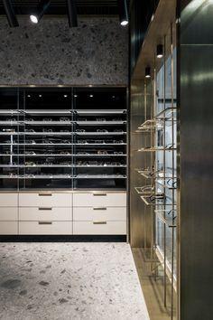 Optic store SPEX (interior design) on Behance Glass Store, Eyewear Shop, Retail Interior Design, Clean Space, Optical Shop, Store Interiors, Retail Shop, Store Design, Home Renovation