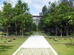 À CLICHY (92) 2009 /2013 Maîtrise d'ouvrage: SEMERCI Équipe : ATELIER CAP - ACA mandataire (bâtiment d'accueil) - OGI BET VRD Aménagement d'un parc urbain