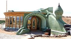 I want to live in an Earthship