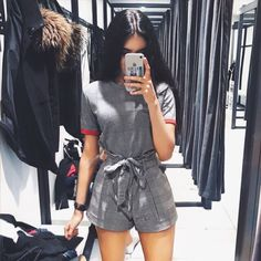 ZARA #mode #fashion #blogger #red #trend #trending #trends2017 #trends2018 #blackhair #zara #bershka #mango #brownbeauty #brownskin #schwarzkopf #tumblr #iphone #monochrome #minimal