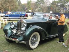 Classic Car News – Classic Car News Pics And Videos From Around The World Retro Cars, Vintage Cars, Antique Cars, Old Classic Cars, Classic Auto, Rolls Royce Models, Fast Cars, Motor Car, Luxury Cars