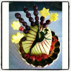 Logo gimnastas art de fruita