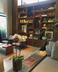 Sem palavras pra esse hotel!  Um dos mais lindos que conheço. O projeto é da Fernanda Cassou elegante nos mínimos detalhes super aconchegante encantador e com móveis e peças assinadas por designers brasileiros!  APAIXONADA! #artlovers #architecture #nomaahotel #designhotels