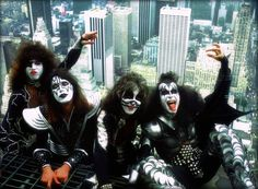 More than 40 years ago, Kiss created a modern template for rock branding… Kiss Images, Kiss Pictures, Music Pictures, Paul Stanley, Gene Simmons, Rock N Roll, Eric Singer, Los Kiss, Banda Kiss