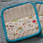 Another cute potholder with lots and lots more with tutorials.