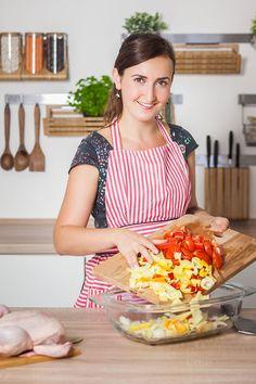 Zeleninu a koření jednoduše nasypejte na dno pekáče; Eva Malúšová