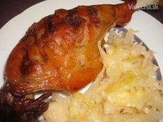 Kačacie stehná pečené s cesnakom a šalátom zo sudovej kapusty Ham, Food And Drink, Treats, Chicken, Health, Recipes, Red Peppers, Sweet Like Candy, Salud