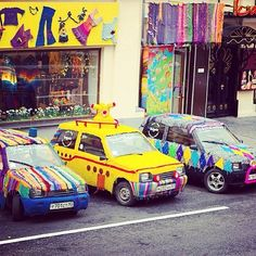 Fleet Of Covered Cars | 32 Incredibly Cool Yarn-Bombings To Brighten Your Day