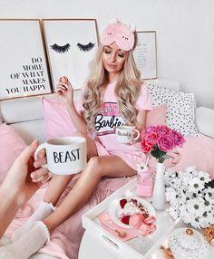 Taffy Bunny sleep mask: Pink Girly Eye Mask travel sleepmask bunny eye mask gifts for her unique travel gifts easter gifts easter Pink Fashion, Fashion Outfits, Style Fashion, Tres Belle Photo, Mode Rose, Everything Pink, Foodblogger, Sleep Mask, Pink Aesthetic