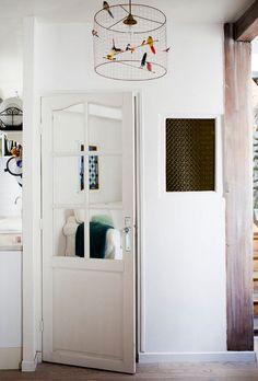 Paris Apartment & Photo Styling Secrets (via Rue mag) http://decor8blog.com/2013/08/15/paris-apartment-photo-styling-secrets-via-rue-mag/