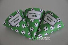 Cone para guloseimas - Futebol  :: flavoli.net - Papelaria Personalizada :: Contato: (21) 98-836-0113 vendas@flavoli.net