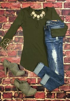 This is the Key Top: Olive from privityboutique