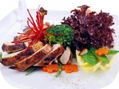 Die KFZ-Diät hat rein gar nichts mit Autos zu tun – die Bezeichnung steht für Kohlenhydrate, Fett und Zwischenmahlzeit, die Diät basiert auf dem Trennkostprinzip.