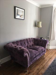 40 best Ideas for living room grey purple velvet sofa – Sofa Design 2020 Purple Living Room Furniture, Plum Living Rooms, Living Room Colors, Living Room Grey, Rugs In Living Room, Living Room Designs, Sofa Design, Purple Sofa, Furniture