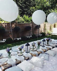 Happy Friday Gartenparty al . - Happy Friday Gartenparty 💚💭💭💭💚 Freien bei Tisch … – G - Summer Backyard Parties, Outdoor Dinner Parties, Backyard Picnic, Outdoor Entertaining, Party Summer, Party Outdoor, Backyard Bridal Showers, Outdoor Games, Summer Luncheon Ideas