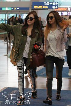 SNSD Tiffany Yuri airport 2014