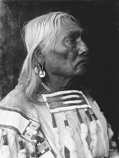 An unidentified man of the Blackfoot Nation. 1900. No additional information re: this photo.
