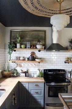 home decor eclectic home decor eclectic bohemian home decor idea 2 Indian Home Decor, Retro Home Decor, Easy Home Decor, Eclectic Kitchen, Eclectic Decor, Kitchen Decor, Green Kitchen, Kitchen Shelves, Kitchen Ideas