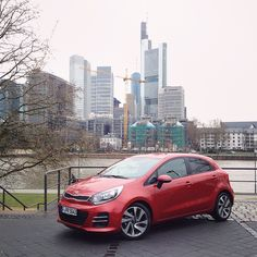 Right now, test driving the brand new Kia Rio around Frankfurt. Anything you'd like to know about the car? #hyyperlicontour