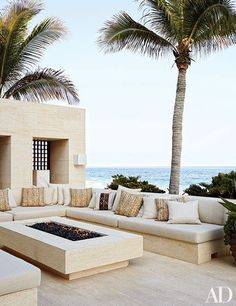 In Mexico, Cindy Crawford and Rande Gerber constructed their outdoor living room entirely from niwala limestone, topping off the seating with cushions in matching neutral hues.