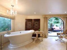 celebrity batrooms | 10 Lavish Celebrity Bathrooms