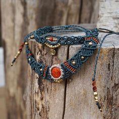 #Makramee #set #grey #grau #red #kette #armband #necklace #bracelet #macrame #macrameart #macramelove #berlin #Berlin #madewithlove #madeinberlin #sonya6000 #sonyalpha6000 #macramejewelry #makrameeschmuck #schmuck #jewelry #jewelrydesigner #gold #linhasita #gipsyjewelry #bohojewelry #tribal #hippie #gemstone