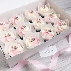 - Many brides are opting to break with tradition and choosing to go with wedding cupcakes instead of a traditional cake. One reason cupcakes have quickl. Fancy Cupcakes, Wedding Cakes With Cupcakes, Flower Cupcakes, Pretty Cupcakes, Cupcakes Pastel, Bride Cupcakes, Mothers Day Cupcakes, Small Cupcakes, Cupcake Wedding