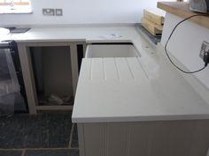 Unistone Bianco Carrara Quartz Worktops - Caernarfon   Angela Davies   LinkedIn Kitchen Inspiration, Kitchen Ideas, Carrara Quartz, Marble Worktops, Country Chic, Home Kitchens, Kitchen Dining, Corner Desk, Furniture