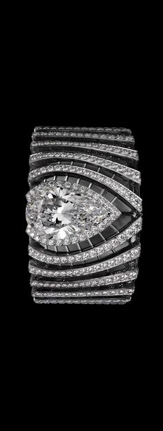 Diamond Watches Ideas : Cartier - Watches Topia - Watches: Best Lists, Trends & the Latest Styles High Jewelry, I Love Jewelry, Jewelry Design, Stylish Jewelry, Cartier Jewelry, Diamond Jewelry, Diamond Bracelets, Bangles, Bling