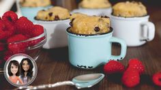 Chocolate chip cookie in a cup from Alexandra Diaz and Geneviève O'Gleman Desserts With Biscuits, No Bake Desserts, Healthy Desserts, Dessert Biscuits, Cookie Cups, Biscuit Cookies, Mug Cupcake, Cake Bars, Chocolate Chip Cookies