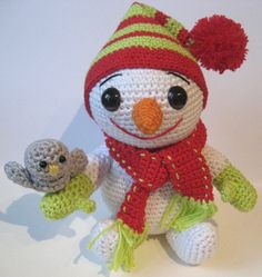 Lovely smiley snowman - free amigurumi pattern. This German website has a link fro the English version so don't panic.